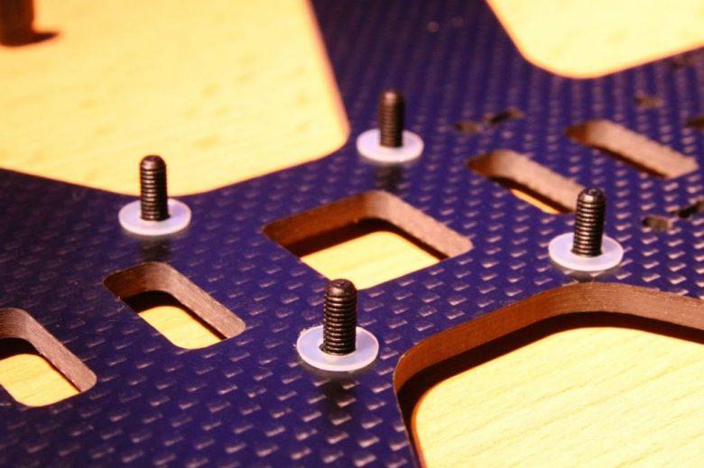 Centerplatte mit Nylonschrauben