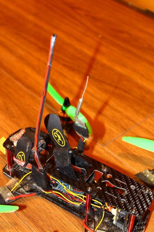 Kabelbinder als Antennenstab